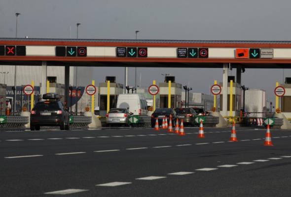 Adamczyk: A1 droższa od lipca. W wakacje bramki na autostradach znowu w górę
