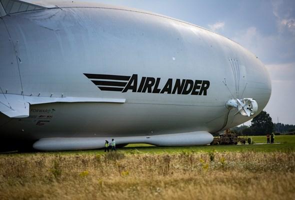 Problemy techniczne ogromnego sterowca. Lot Airlander'a 10 przełożony