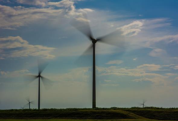 Co dziesiąte euro w rachunku za prąd idzie na OZE