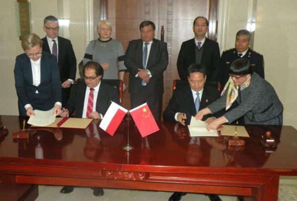 W Chinach trwają rozmowy na temat sekretariatu 16+1 ds. morskich
