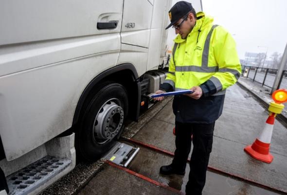 ZDM Warszawa kontroluje przeciążone pojazdy