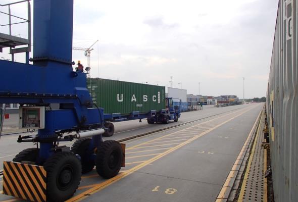 Od 20 lutego DCT w godzinach szczytu nie wpuści ciężarówek bez awizacji
