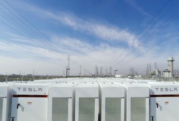 Elon Musk w 100 dni rozwiąże problemy energetyczne Południowej Australii albo sam za nie zapłaci