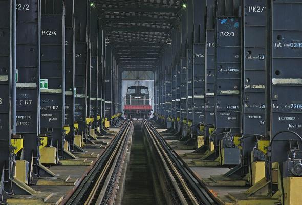 MIB odpowiada Polaczkowi: LHS do śląskich portów nie dojedzie
