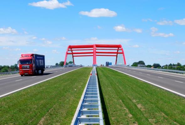 Furgalski: Kierowcy będą musieli dołożyć się do budowy dróg