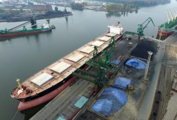 534 mln zł dofinansowania na poprawę dostępu kolejowego do portów Szczecin i Świnoujście