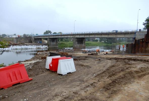 Trwa budowa mostu w Międzychodzie