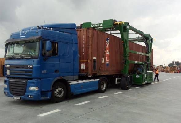 Grupa Stelmet: Już 600 kontenerów popłynęło do Wielkiej Brytanii