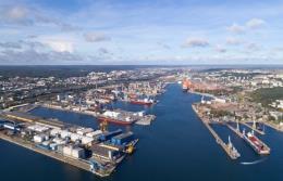 Przeładunki w Porcie Gdynia wyższe niż przed rokiem o 8,8%