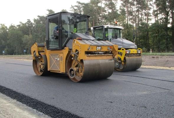 Zachodniopomorskie: Na budowie S6 zapachniało asfaltem