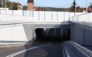 W Mosinie pociągi bezpiecznie przejadą nad samochodami