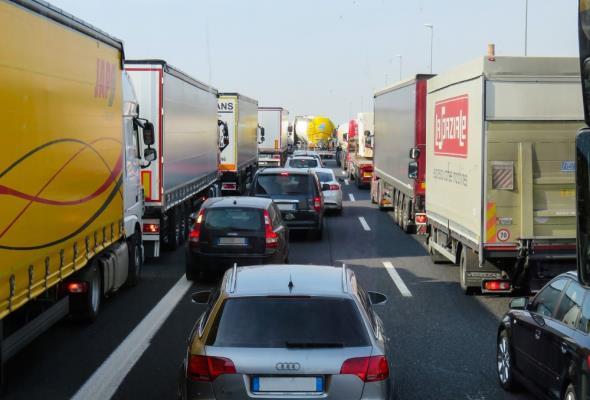 Brakuje zawodowych kierowców. 100 tysięcy wakatów