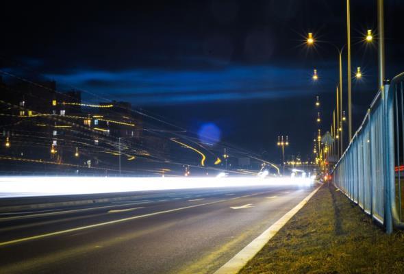 Ładowarki do elektryków w latarniach? To możliwe w Polsce już za dwa lata