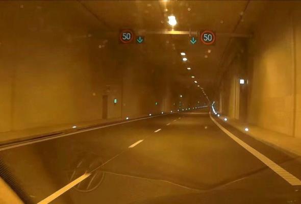 Samochody w Tunelu pod Martwą Wisłą nie będą się ślizgać. W planach innowacje
