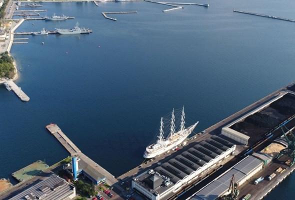 Port Gdynia poszerza wejście wewnętrzne do 140 metrów