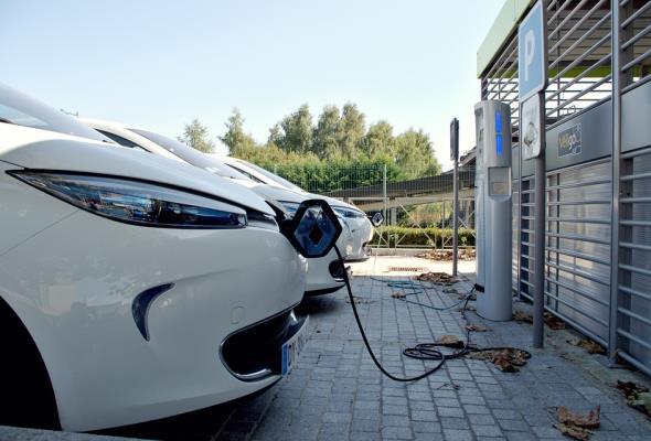 Państwowe wsparcie kluczem do rozwoju elektromobilności na polskich drogach