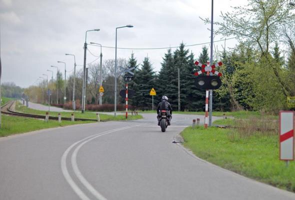 Bezpieczniej w Teresinie na skrzyżowaniu linii kolejowej Warszawa – Poznań i drogi
