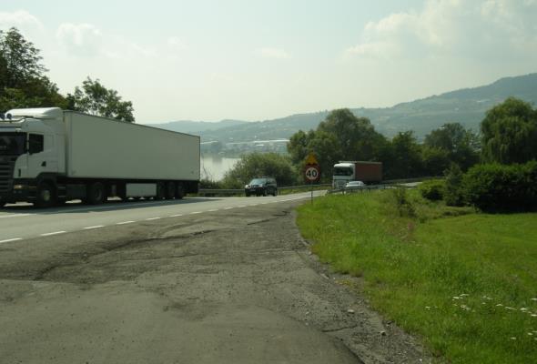 Małopolska. Zlikwidują osuwisko przy DK-75 w Tęgoborzu