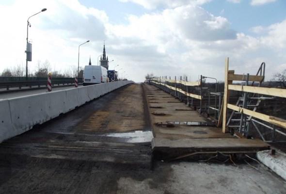 Postępują prace przy wiadukcie w Trzebini. Będą objazdy