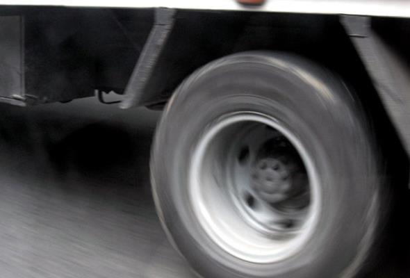 Nawet co trzecia ciężarówka w Polsce jest przeciążona. Nowe technologie pozwolą ważyć w ruchu
