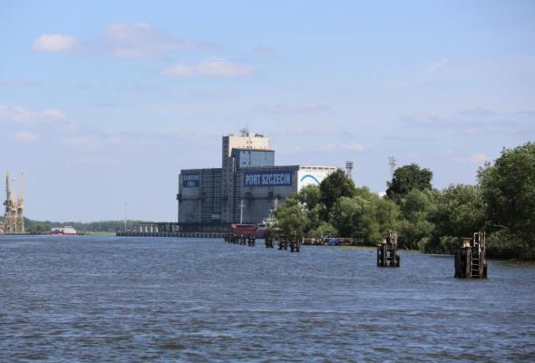 Oferty na pogłębienie toru Szczecin – Świnoujście znacznie powyżej budżetu