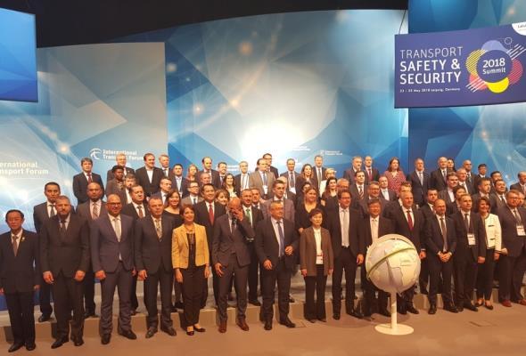 Minister Adamczyk na Szczycie Ministrów ITF w Lipsku