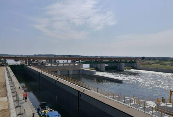 Śluza na stopniu wodnym w Malczycach uruchomiona