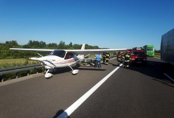 Podkarpackie: Na A4 awaryjnie wylądowała awionetka