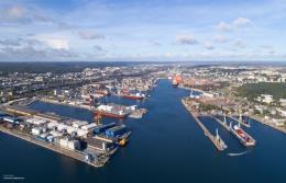 Port Gdynia z zatwierdzonym dofinansowaniem rozbudowy kolejowego dostępu