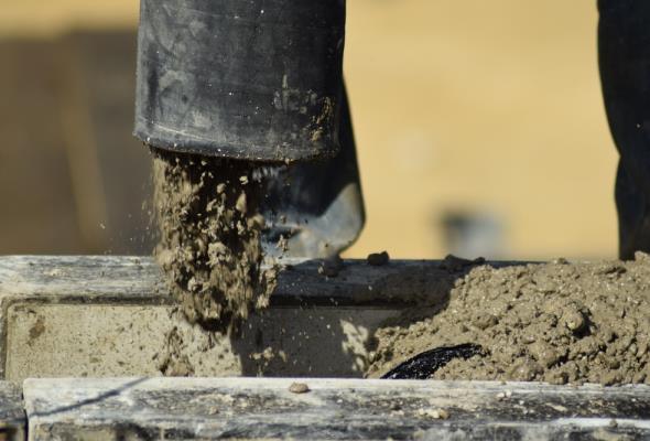 Sytuacja w budowlance odbija się na wynikach Erbudu