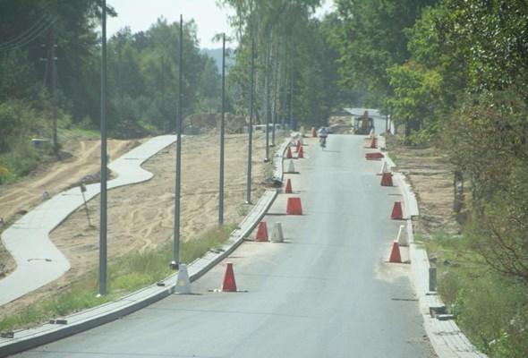 Olsztyn: Trzy gminy z nowymi drogami. Niedługo z samochodami