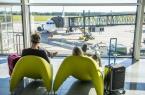 Jak zarobić na lotnisku w erze coraz niższych opłat lotniskowych