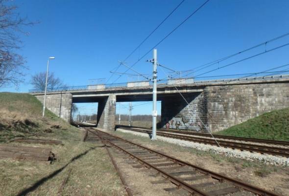 Osiemdziesięcioletni wiadukt w ciągu DK-94 do remontu