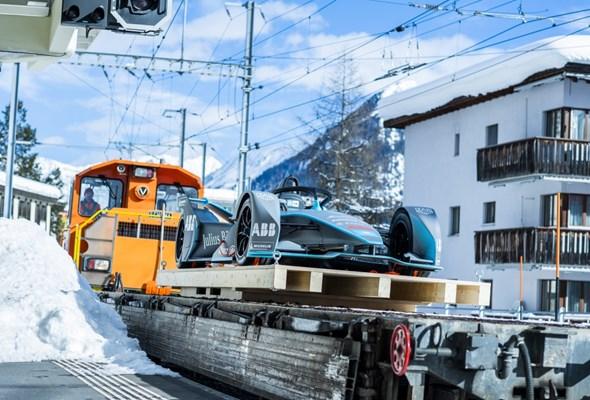 Pierwszy elektryczny przewóz wahadłowy, obsługujący uczestników Światowego Forum Ekonomicznego