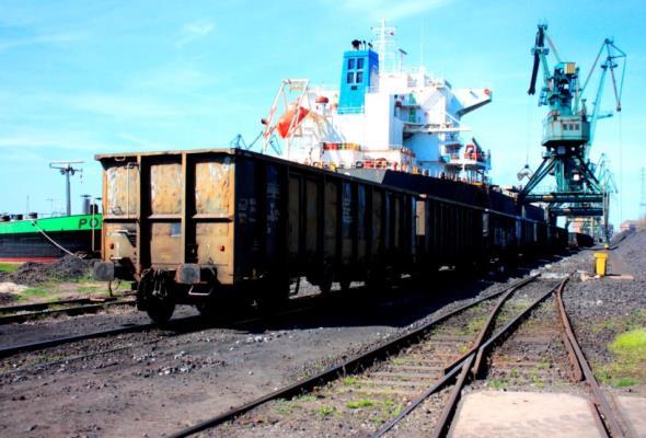 PKP PLK szuka nadzorców poprawy dostępu kolejowego do trójmiejskich portów