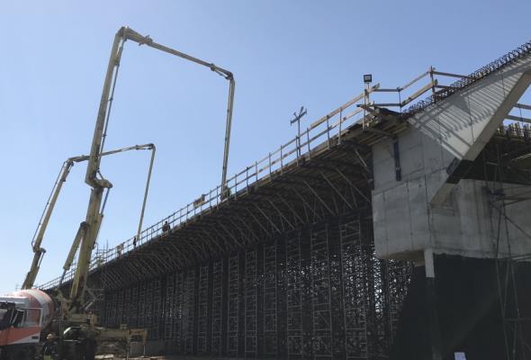 Najdłuższy wiadukt obwodnicy Dąbrowy Tarnowskiej ma już ustrój nośny