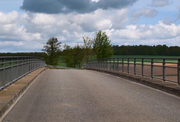 Katalog typowych konstrukcji obiektów mostowych z rekomendacją ministra