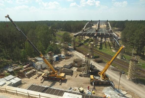 Kujawsko-pomorskie: Trwa nasuwanie ogromnego wiaduktu w ciągu S5 [ZDJĘCIA]