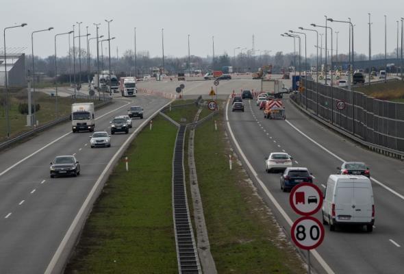 A2 pod Warszawą bez zwalniania. PPO Pruszków zlikwidowane