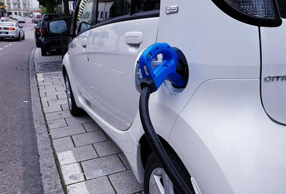 Dopłaty do zakupu samochodu elektrycznego dostały zielone światło