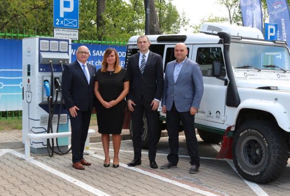 PGE GiEK: Można ładować pojazdy przy Elektrowni Turów