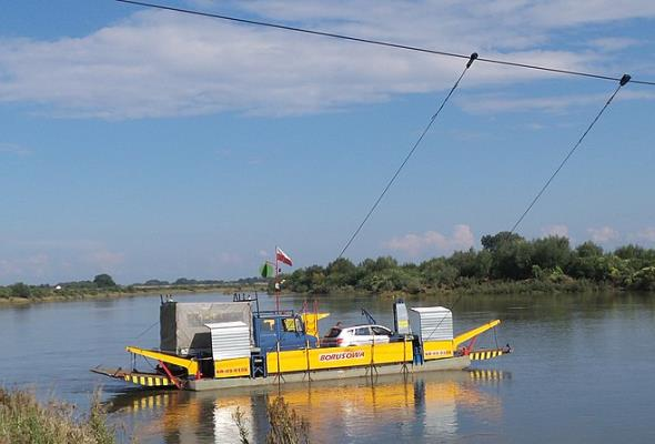 Nowy Korczyn – Borusowa: Rok bez mostu i bez promu?