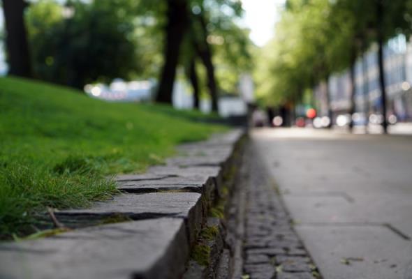 Siedmiu chętnych na budowę chodnika na DK-9 w Tarnowskiej Woli