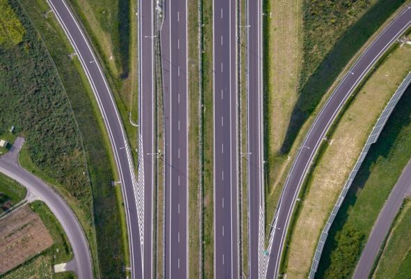 Trzeba ponad 500 mld euro na infrastrukturę w państwach Trójmorza. Jest pomysł na finansowanie