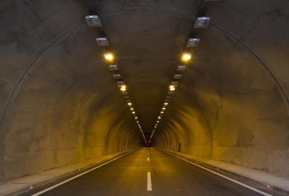 Gigantyczne inwestycje w Chinach. 20 tys. km tuneli w budowie, kolejne 20 tys. km w planach