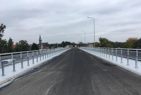 Przełożenie ruchu na wyremontowany most w Obornikach