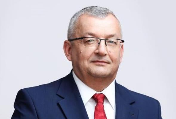 Andrzej Adamczyk zostaje na czele resortu infrastruktury