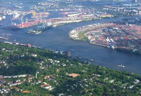 Port Hamburg dynamicznie do przodu