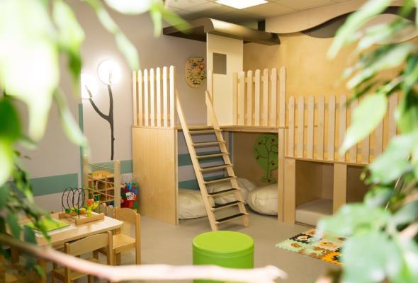 Budowlańcy dzieciom. Świąteczny prezent dla małych pacjentów z Płocka