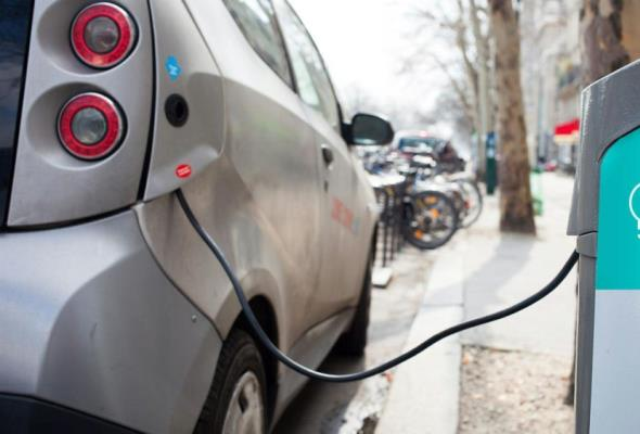 Poznań. W 2020 ma powstać 21 stacji ładowania samochodów elektrycznych